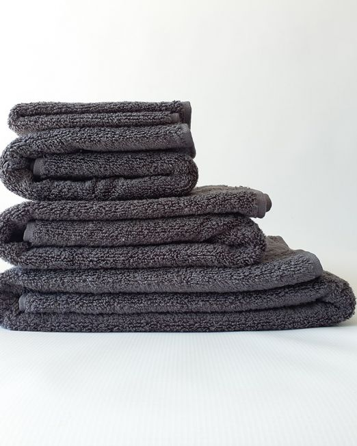 Colibri-white-towels-2-min
