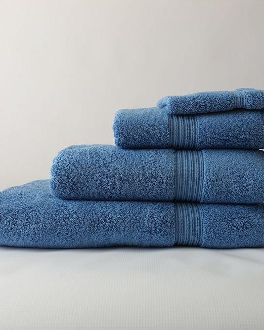 Colibri-blue-towels-1-min