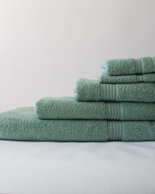 Colibri-green-towels-1-min